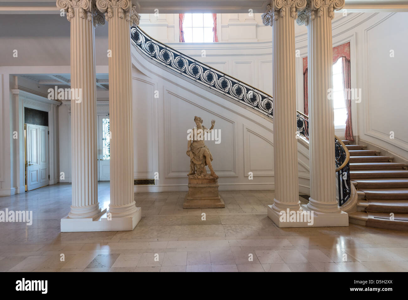 The Interior Of The Beautiful Huntington Art Gallery At The Huntington  Library And Botanical Gardens In