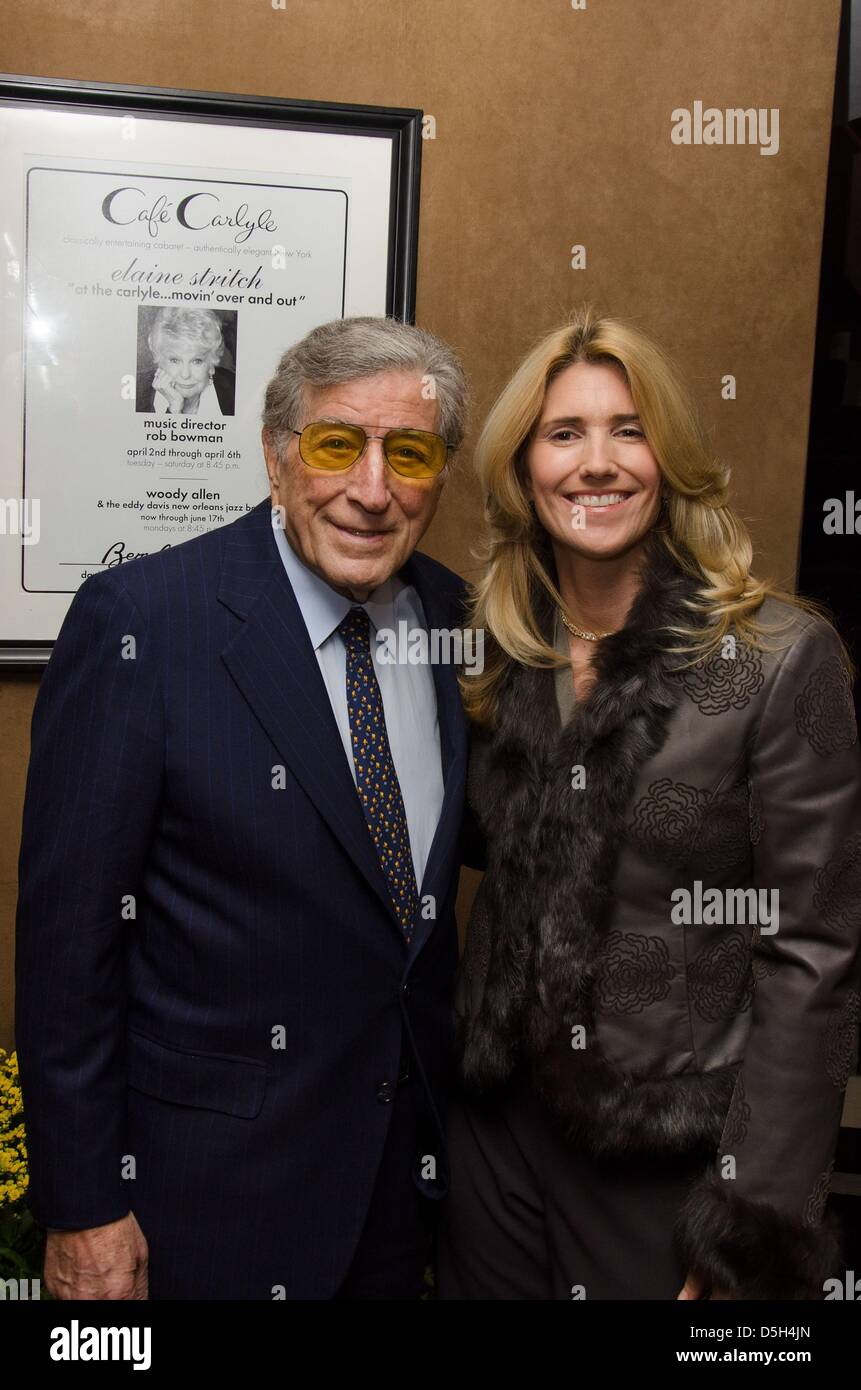 New York, USA. April 2, 2013. Tony Bennett, Susan Crow at arrivals for Elaine Stritch Final Engagement at Cafe Carlyle, - Stock Image