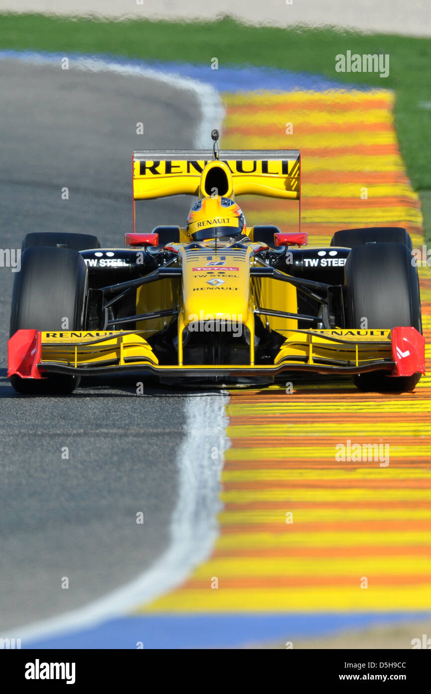 Circuito Valencia F1 : Poland s formula driver robert kubica from the renault f team