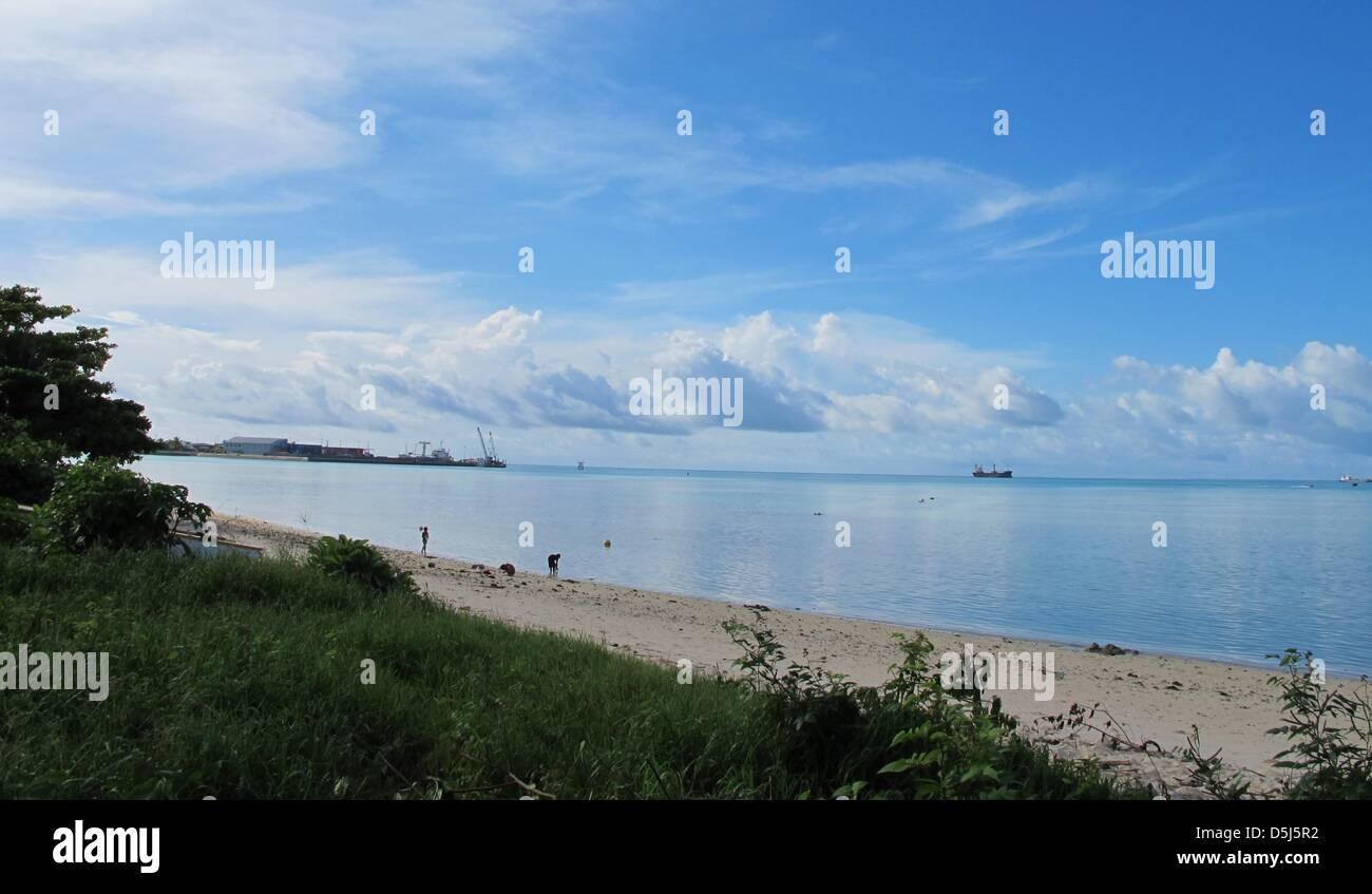 (FILE)An archive photo dated 25 July 2012 shows a beach in Tarawa, Kiribati. Kiribati appears to have all - Stock Image