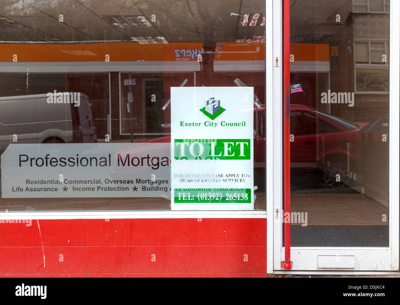 Mortgage shop that has closed down in the recession - Exeter, Devon. 2013 - Stock Image