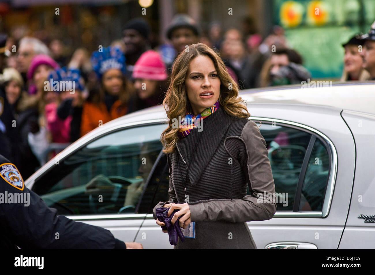 hilary swank new year s eve 2011 stock photo alamy https www alamy com stock photo hilary swank new years eve 2011 55118793 html