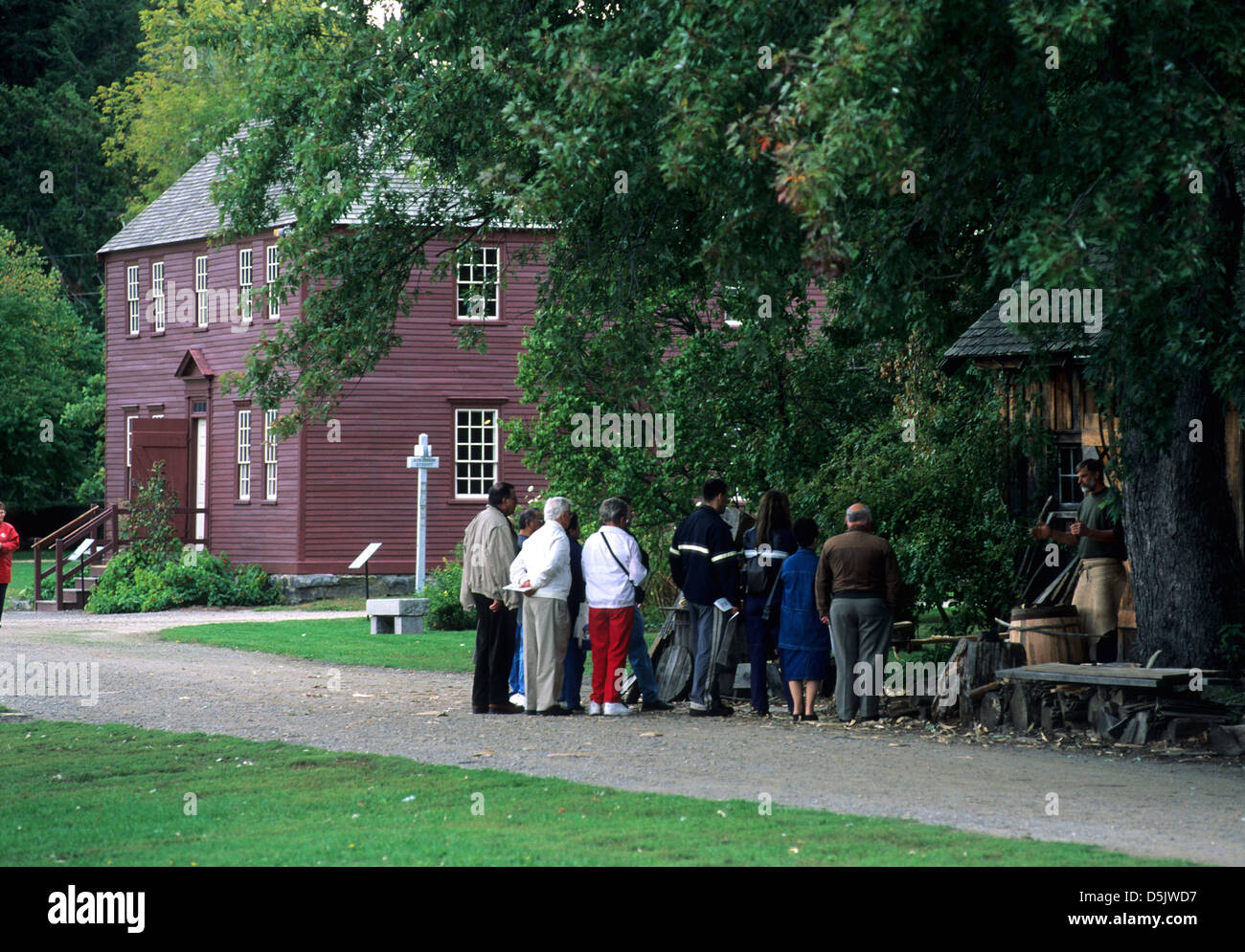 Elk281-1302 New Hampshire, Portsmouth, Strawberry Banke Museum, coopering demonstration - Stock Image