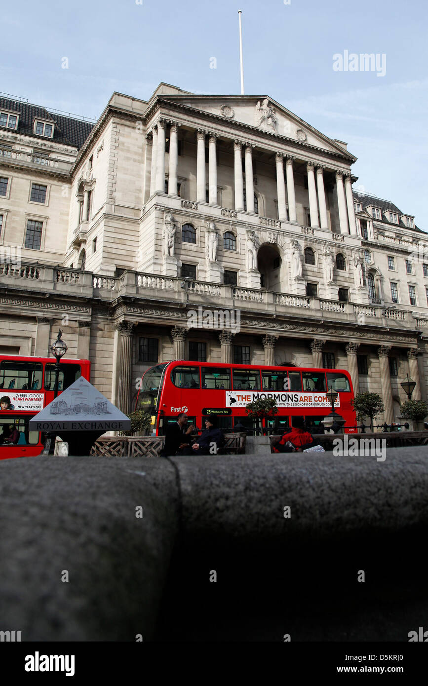 London,UK. 4th April 2013 - A general view of the Bank of England. Interest rates have been held at 0.5%. Credit: - Stock Image