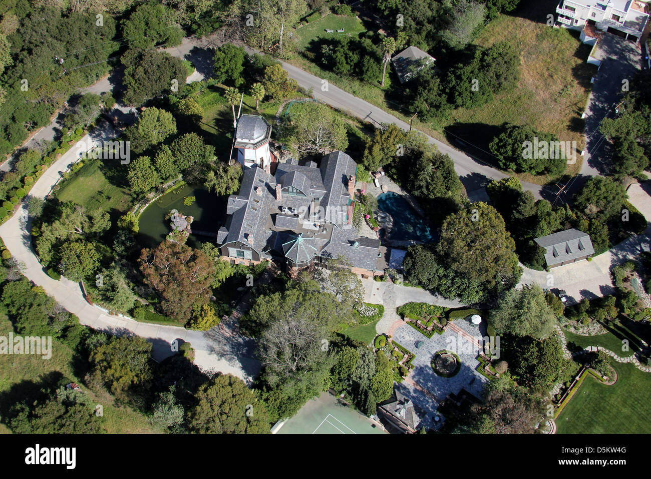 Aerial view of thomas gottschalk 39 s windmill and home in for Haus gottschalk