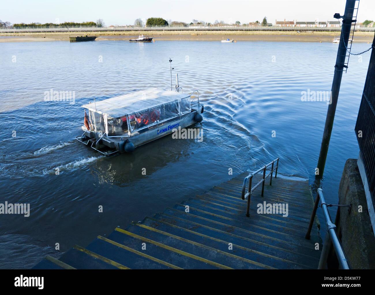 west lynn ferry stock photos & west lynn ferry stock images - alamy