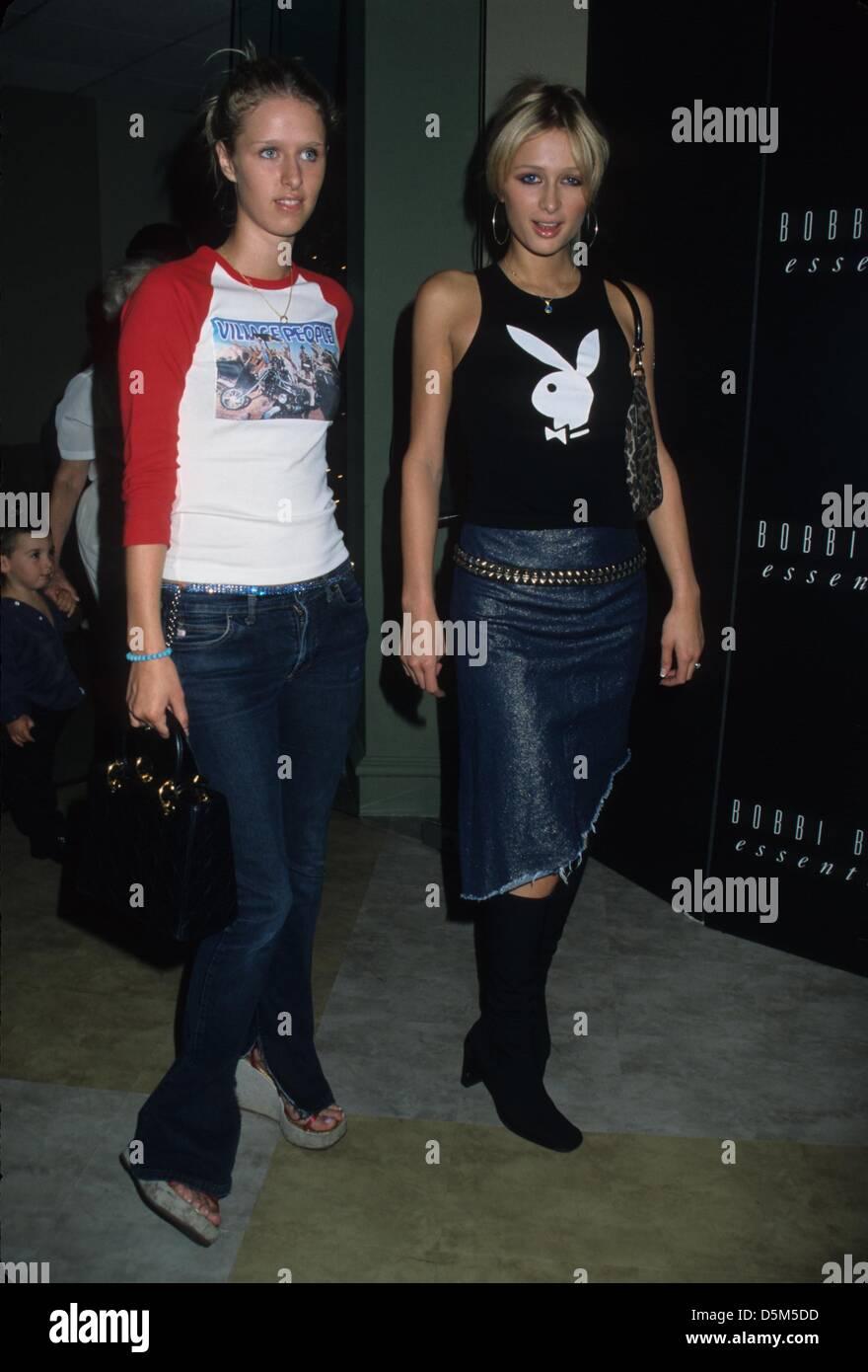 Nicky Hilton With Paris Hilton Bobbi Brown Teenage Beauty Book Launch Stock Photo Alamy
