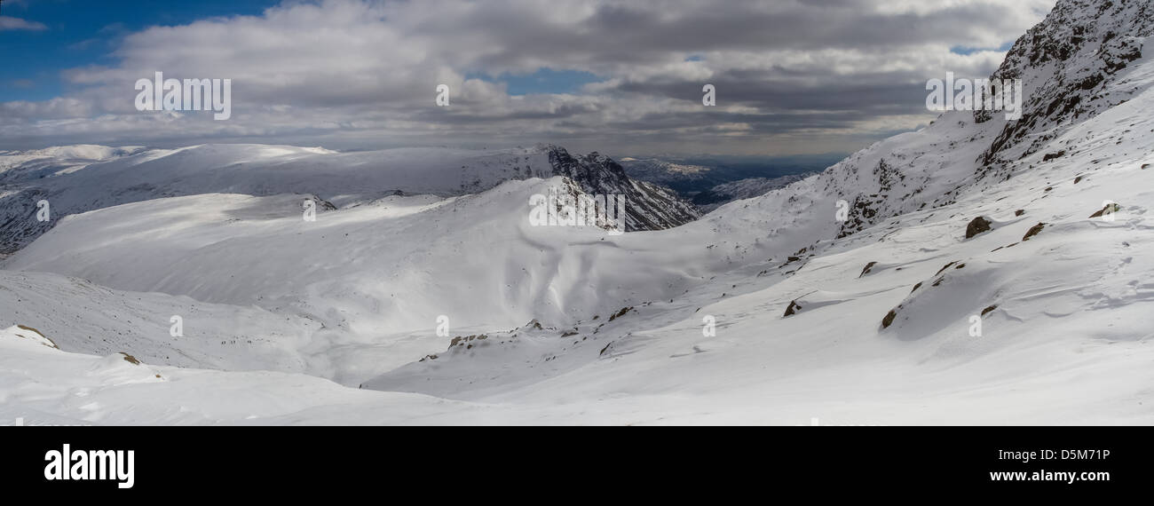 Winter mountain view of the Lake District from Bowfell in spring! - Stock Image