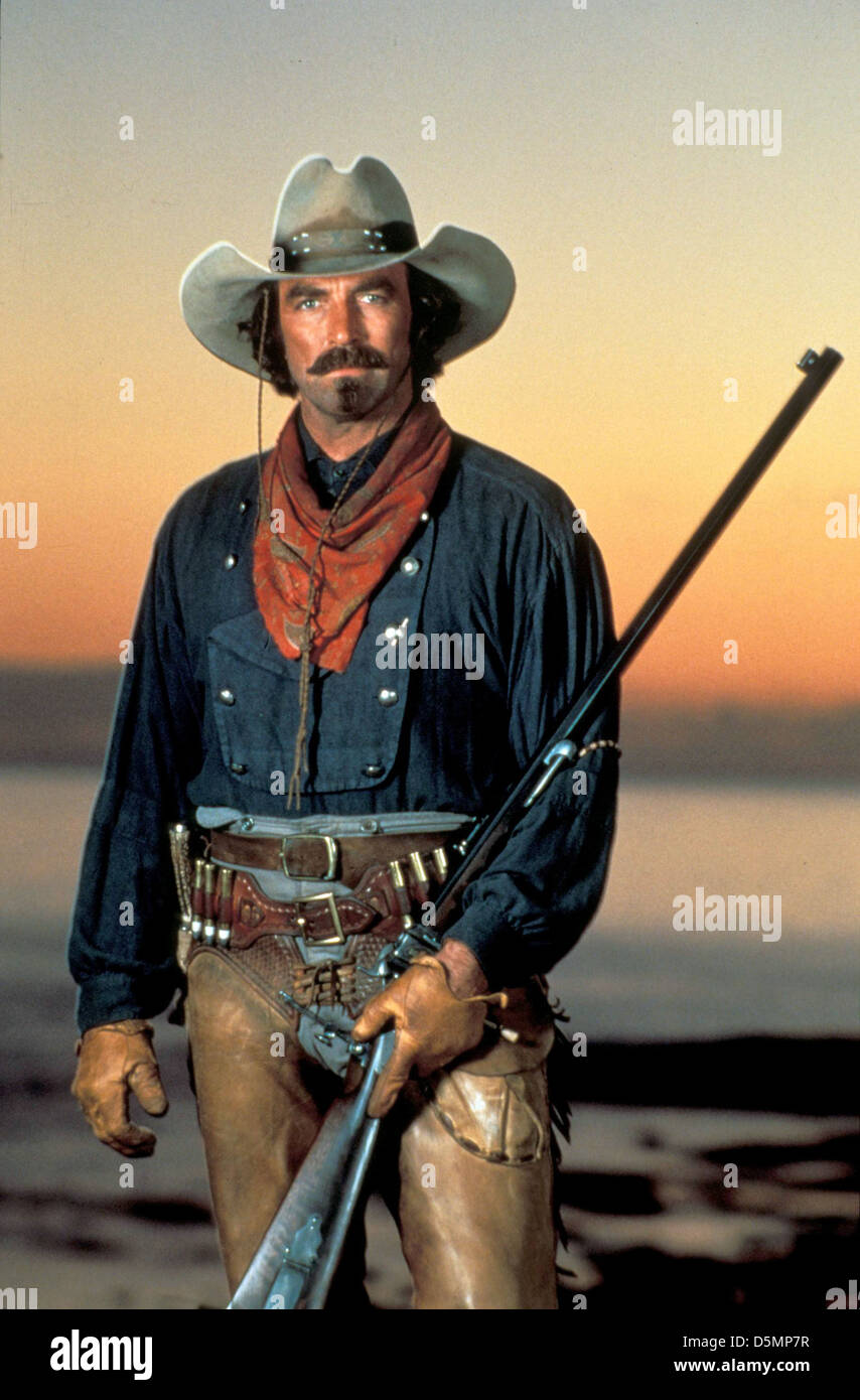 221e2534ffa11 TOM SELLECK QUIGLEY DOWN UNDER (1990 Stock Photo  55160891 - Alamy