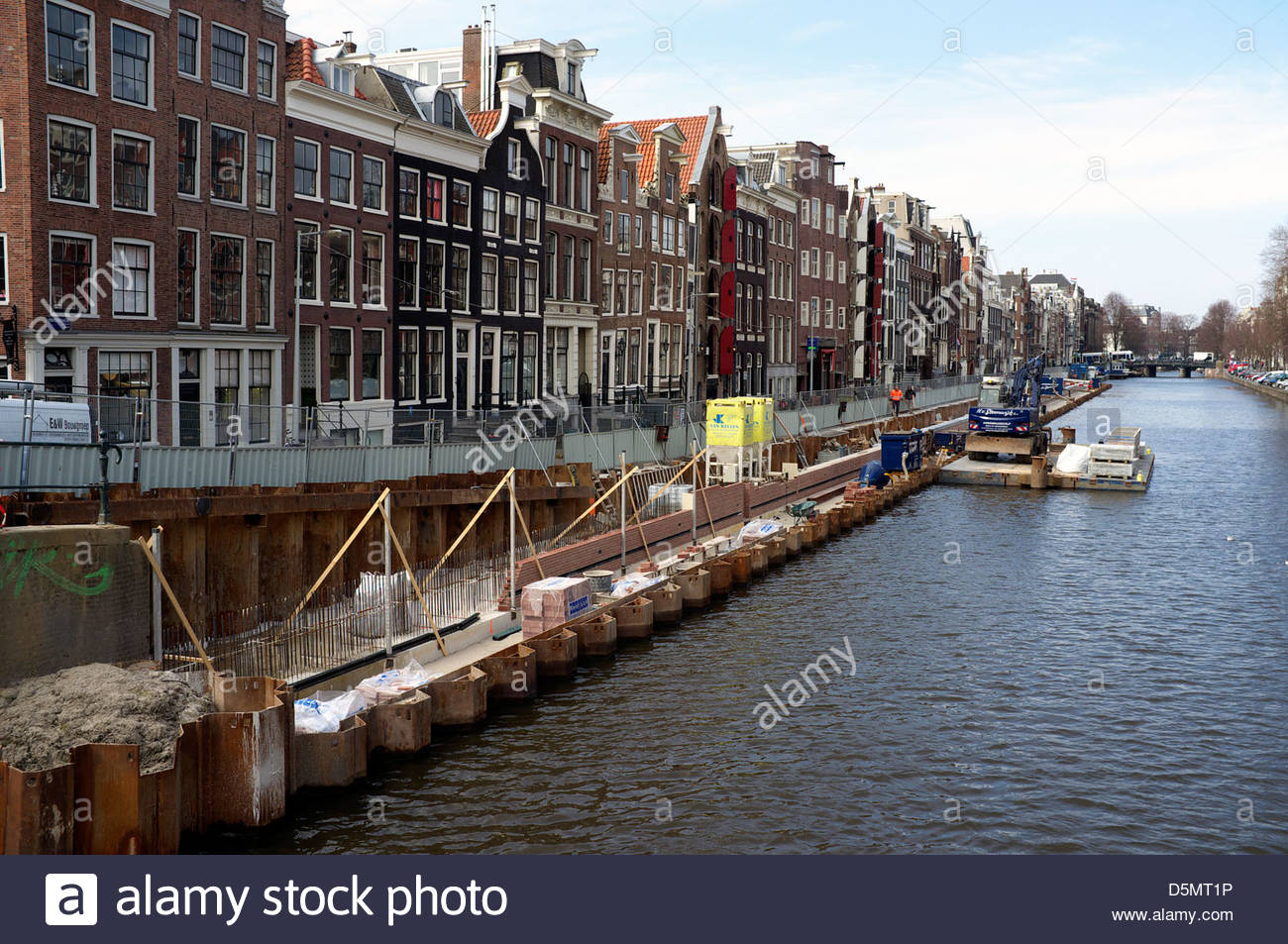 Canal side reconstruction works, in Amsterdam, the Netherlands. - Stock Image