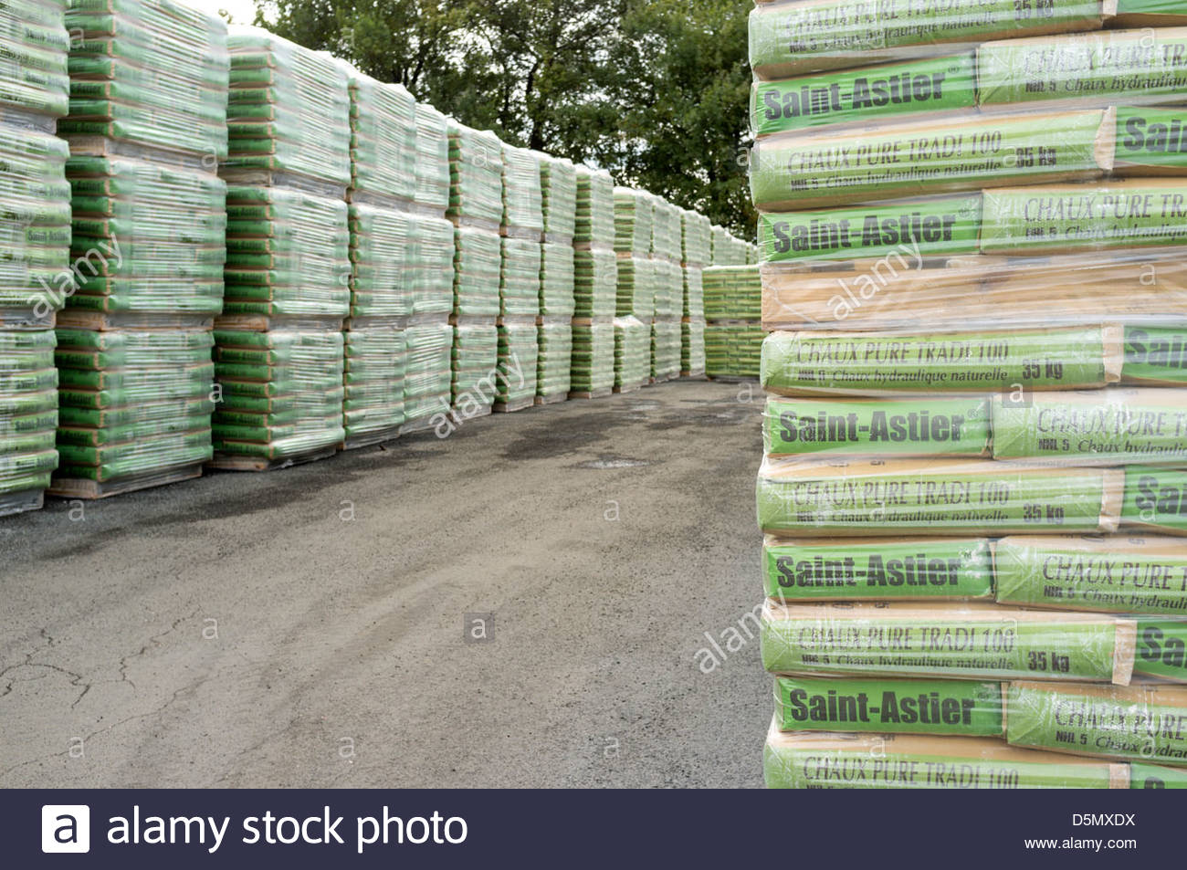 Sacks of hydraulic lime at the Saint-Astier Lime plant, Dordogne, Aquitaine, France - Stock Image