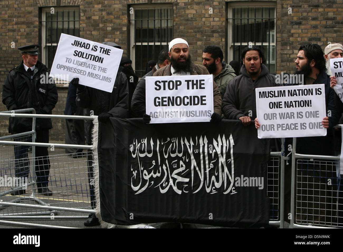 London, UK. 5th April 2013.  Extremist Muslim pressure group protest outside the Sri Lankan embassy. Credit: Mario Stock Photo
