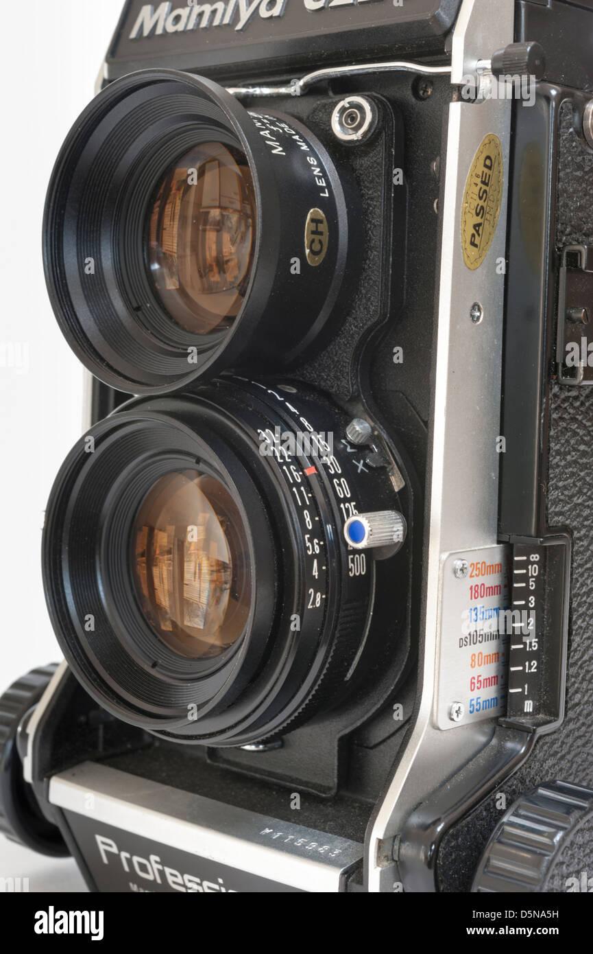 A Mamiya C220 professional twin lens film camera - Stock Image