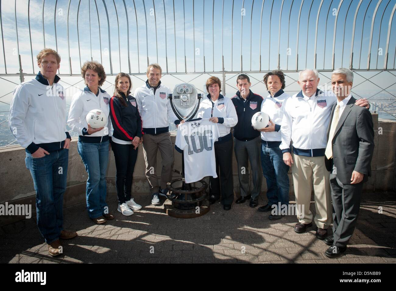 New York, USA. 5th April 2013. ALEXEI LALAS, MICHELLE AKERS, CARLI LLOYD, JURGEN KLINSMANN, APRIL HEINRICHS, TAB - Stock Image