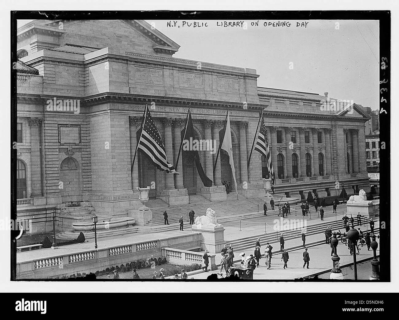 N.Y. Public Library on opening day (LOC) - Stock Image