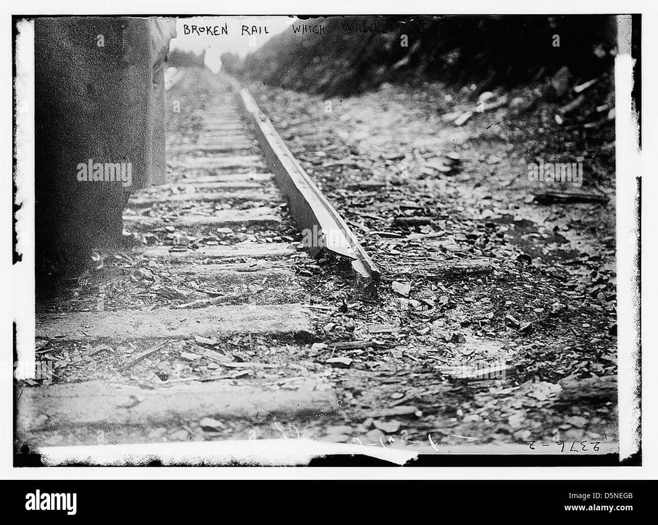 Broken rail which wrecked '20th Century' (LOC) - Stock Image