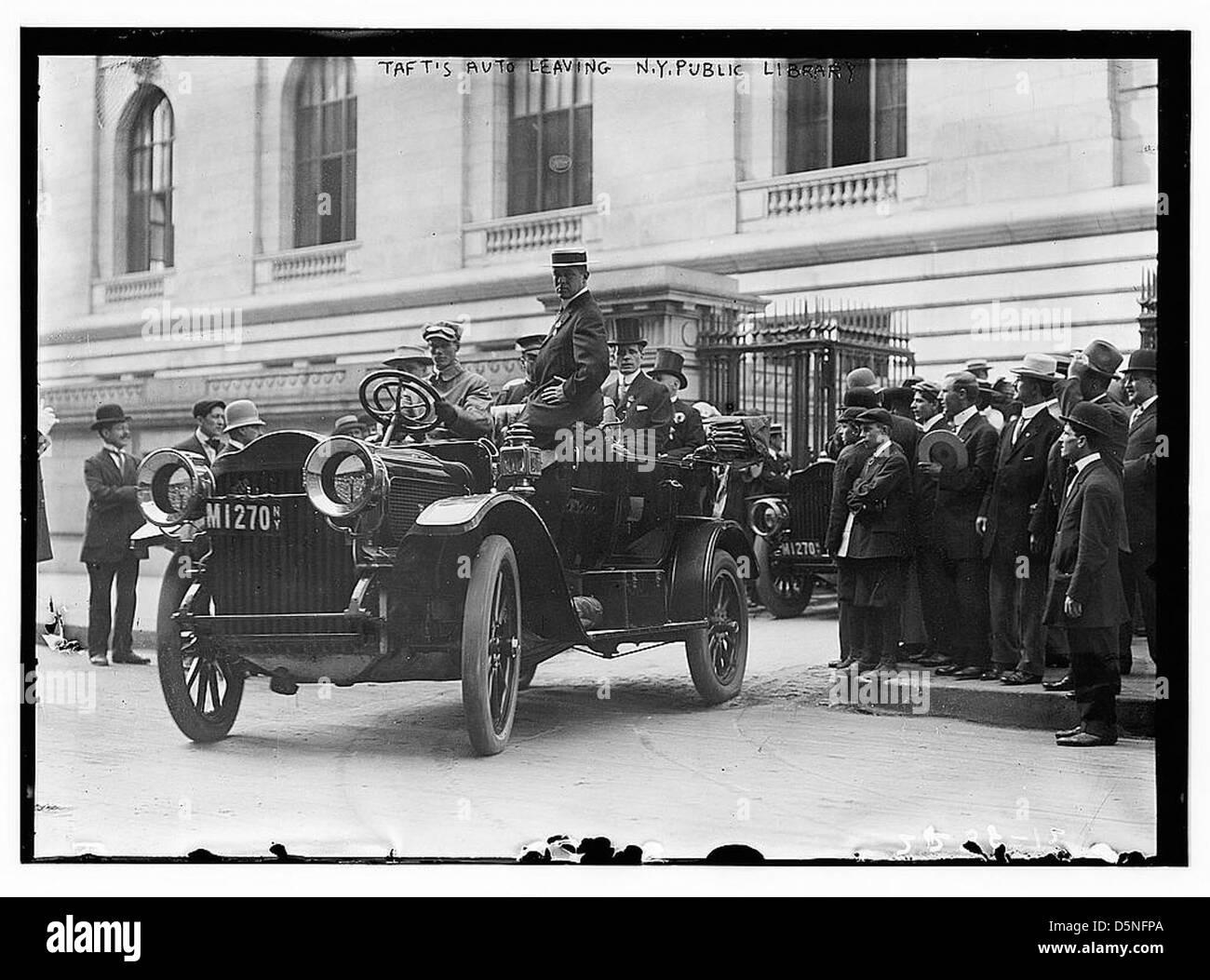 Taft's Auto leaving N.Y. Public Library (LOC) - Stock Image