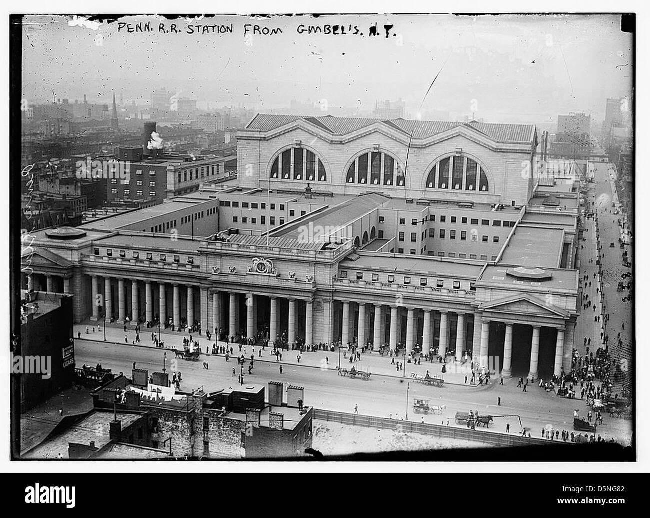 Penn. RR Station from Gimbel's N.Y. (LOC) - Stock Image