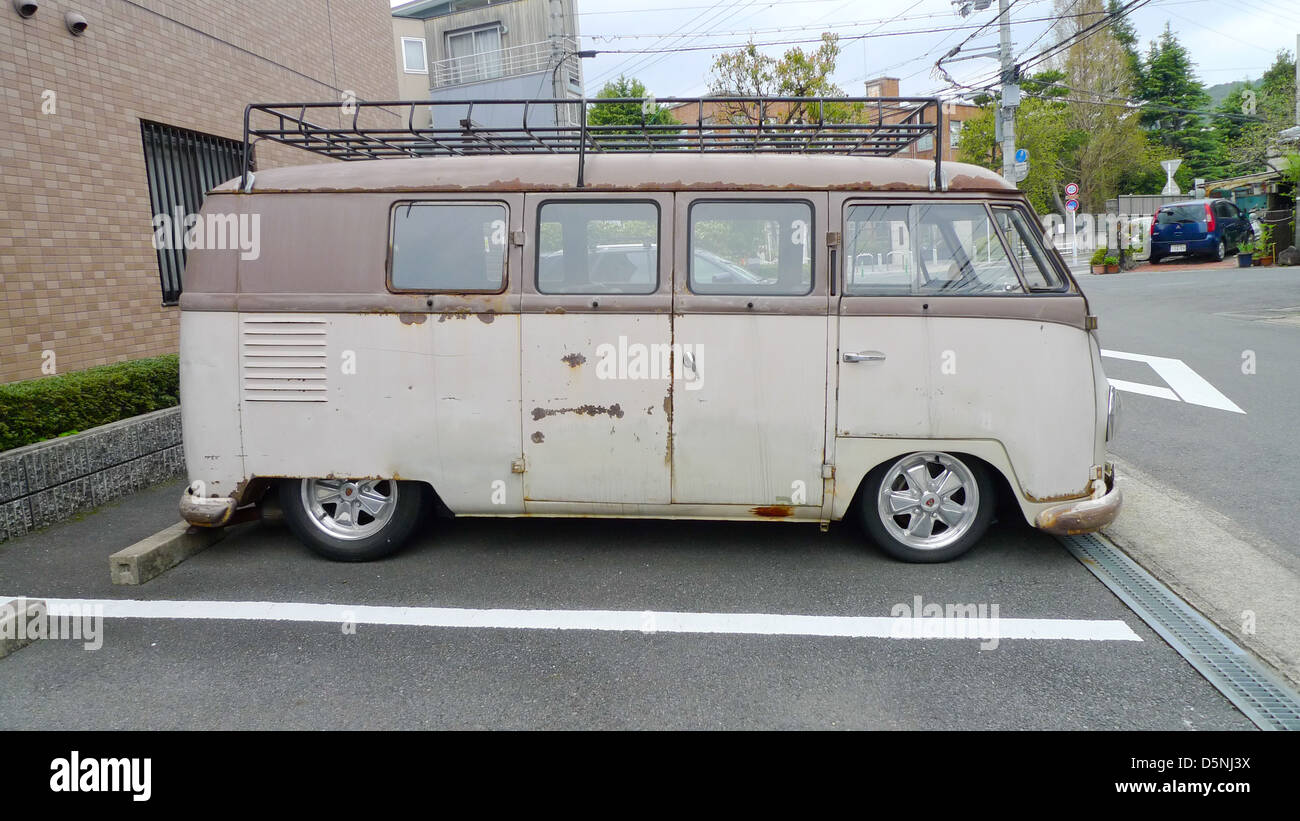 5b1186f820 Volkswagen Van Stock Photos   Volkswagen Van Stock Images - Alamy