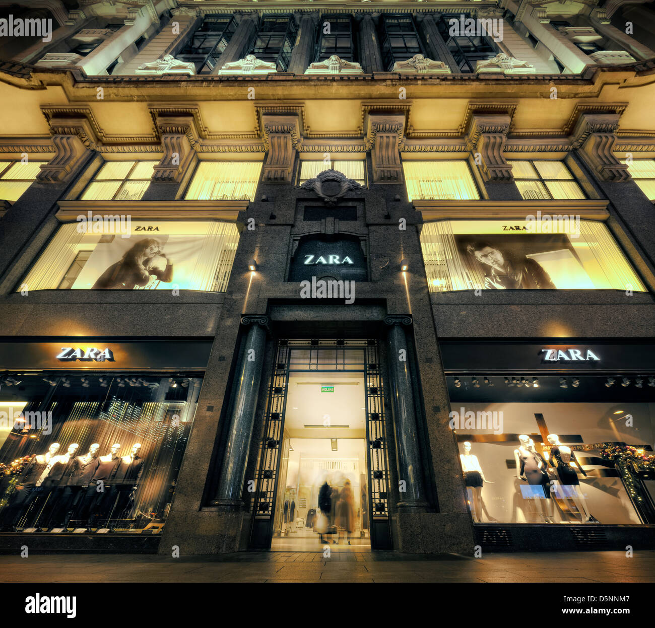09e35f1c Zara Store Spain Stock Photos & Zara Store Spain Stock Images - Alamy