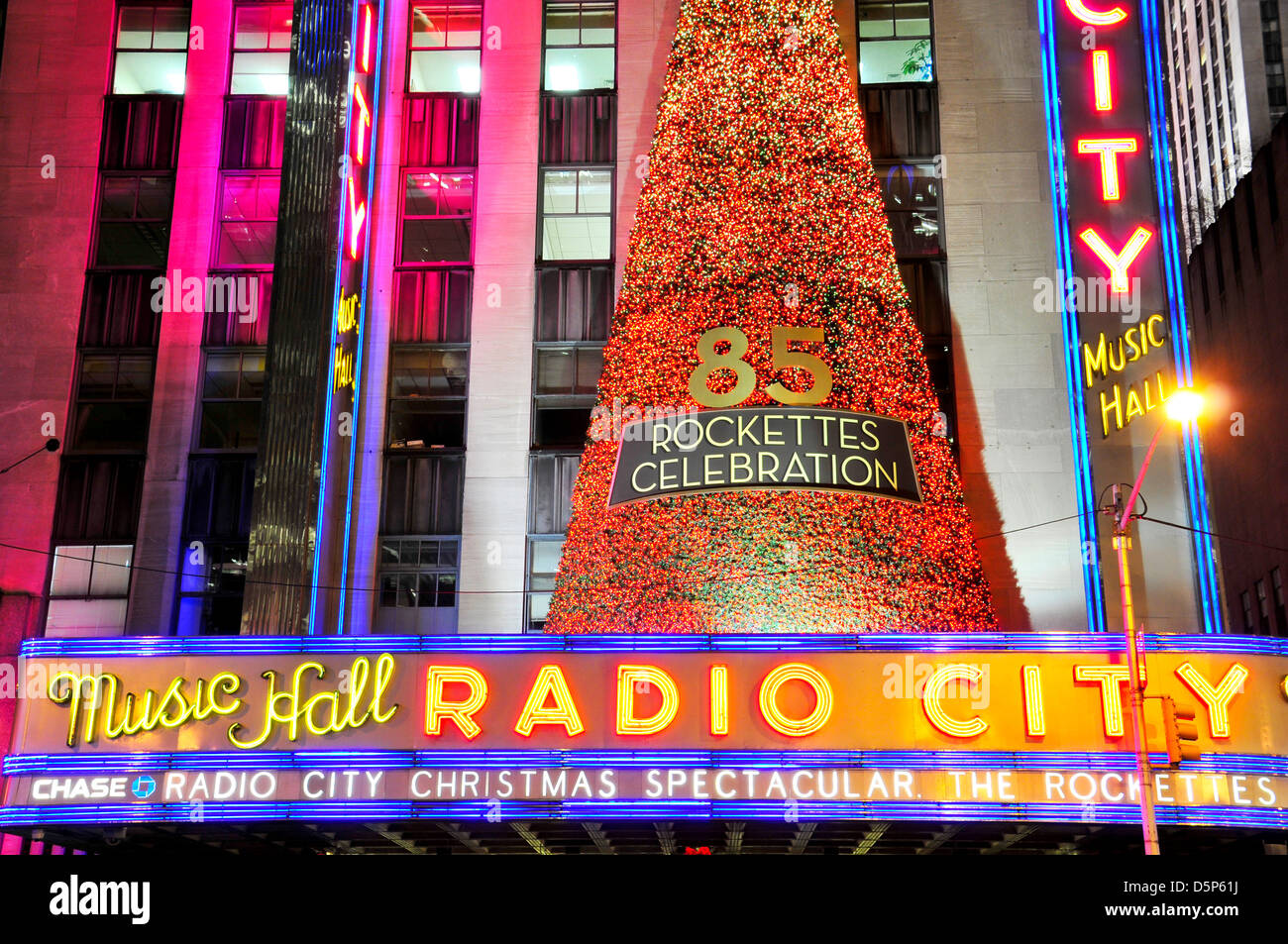Radio City Music Hall Rockettes Stock Photos & Radio City Music Hall ...