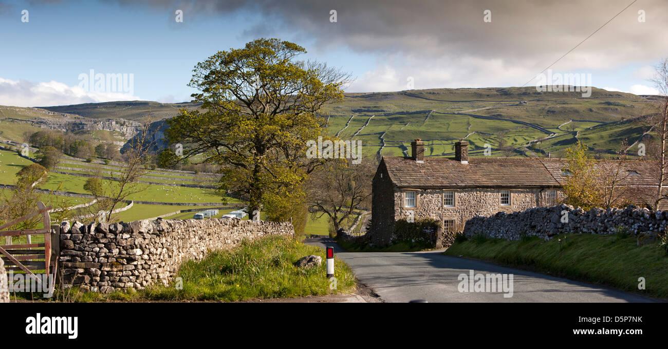 UK, England, Yorkshire, Malham, Farm at village entrance, panoramic - Stock Image