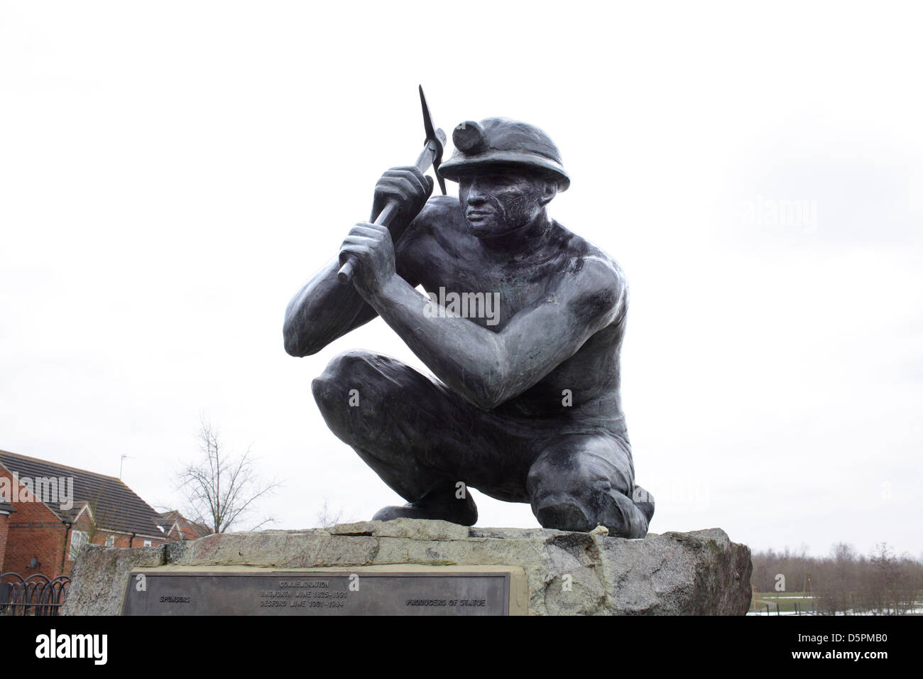 A statue of a coal miner on the former site of Bagworth colliery, Leicestershire, now reclaimed as part of the National - Stock Image