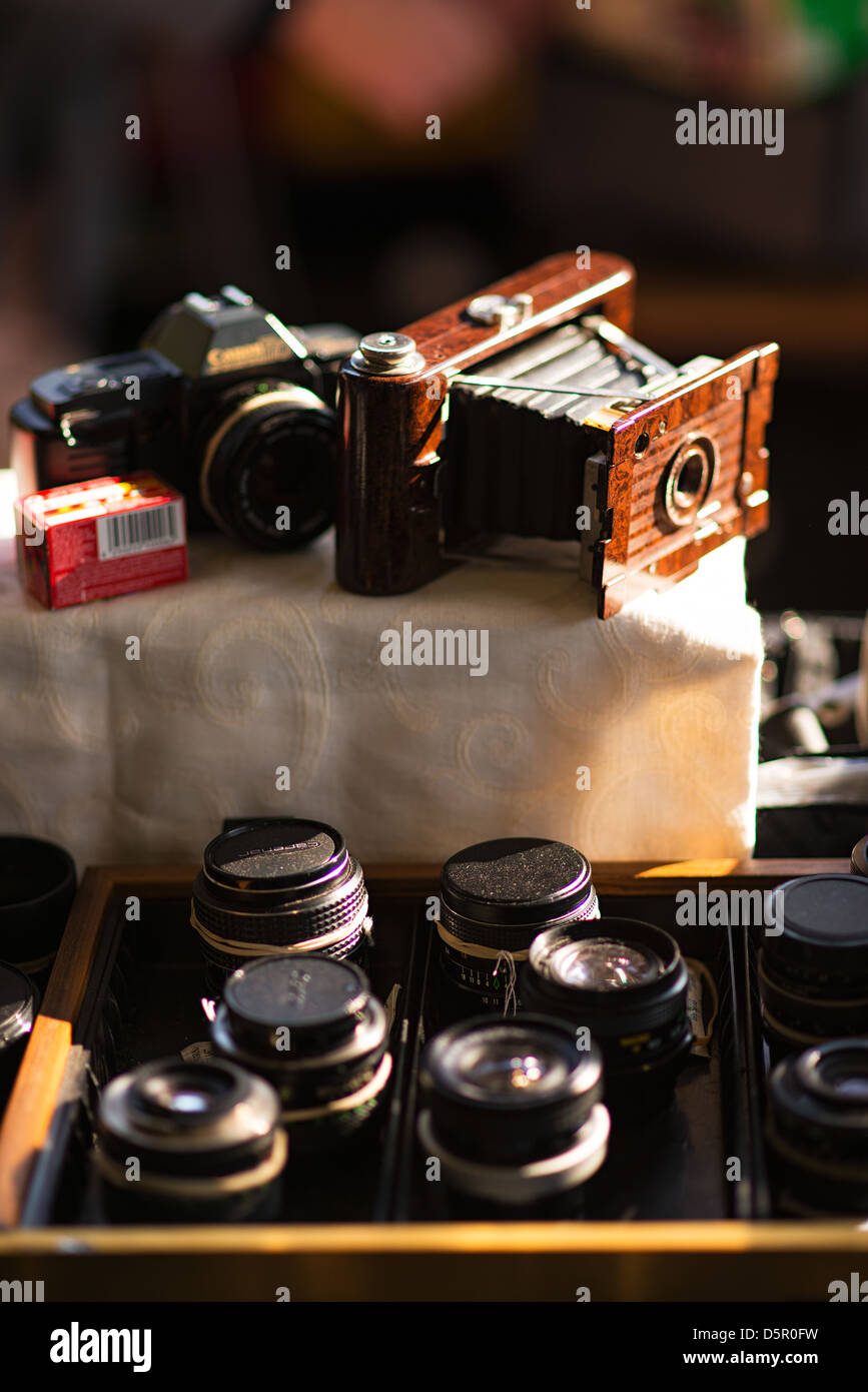 A collection of vintage photographic equipment. - Stock Image