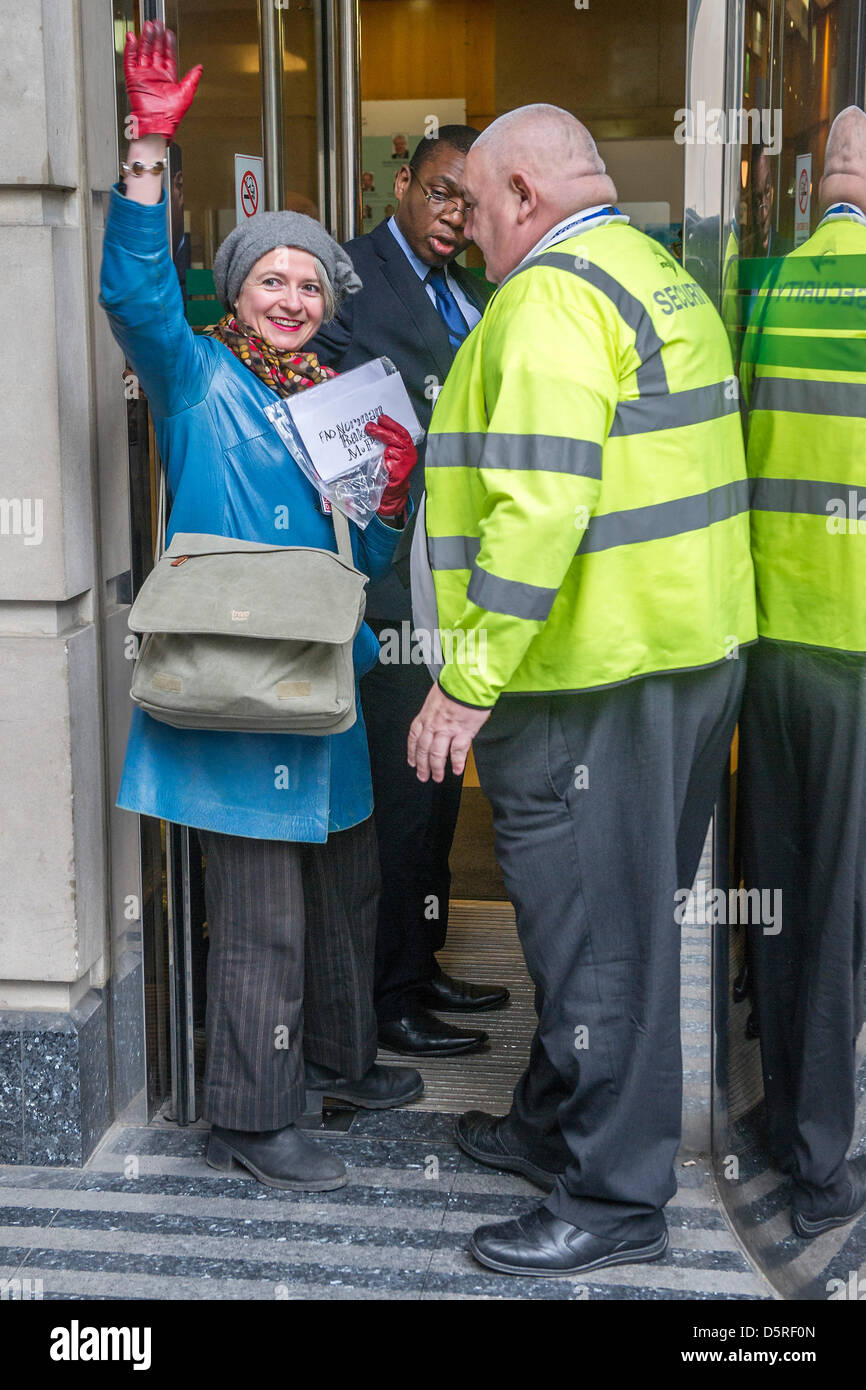 London, UK. 8th April 2013. Operation Disclosure -  Erica, a resident of St Leonards (pictured in blue coat), is Stock Photo