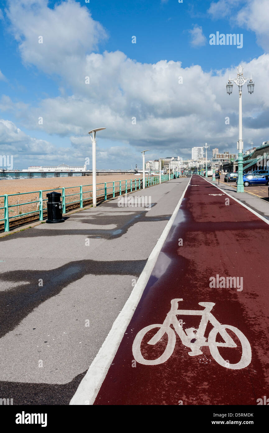 A cycle lane on the seafront at Brighton, East Sussex, England, UK - Stock Image