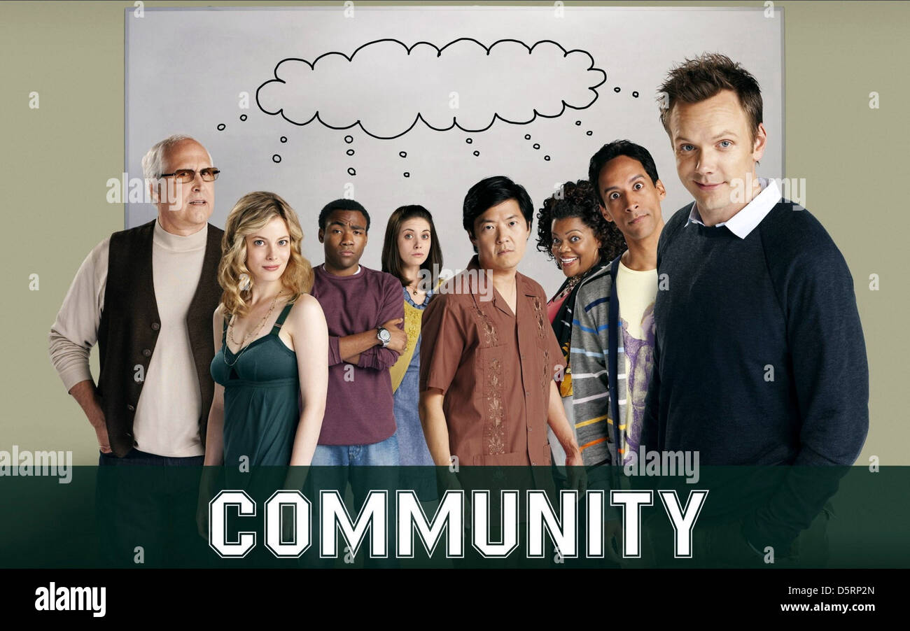 CHEVY CHASE GILLIAN JACOBS DONALD GLOVER ALISON BRIE KEN JEONG YVETTE NICOLE BROWN DANNY PUDI & JOEL MCHALE - Stock Image