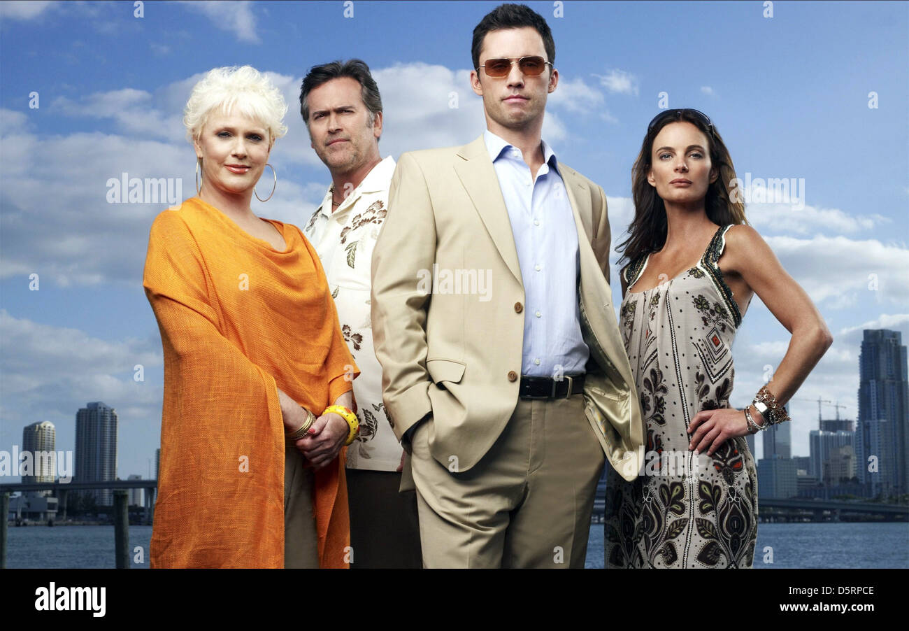 SHARON GLESS BRUCE CAMPBELL JEFFREY DONOVAN & GABRIELLE ANWAR BURN NOTICE (2007) - Stock Image
