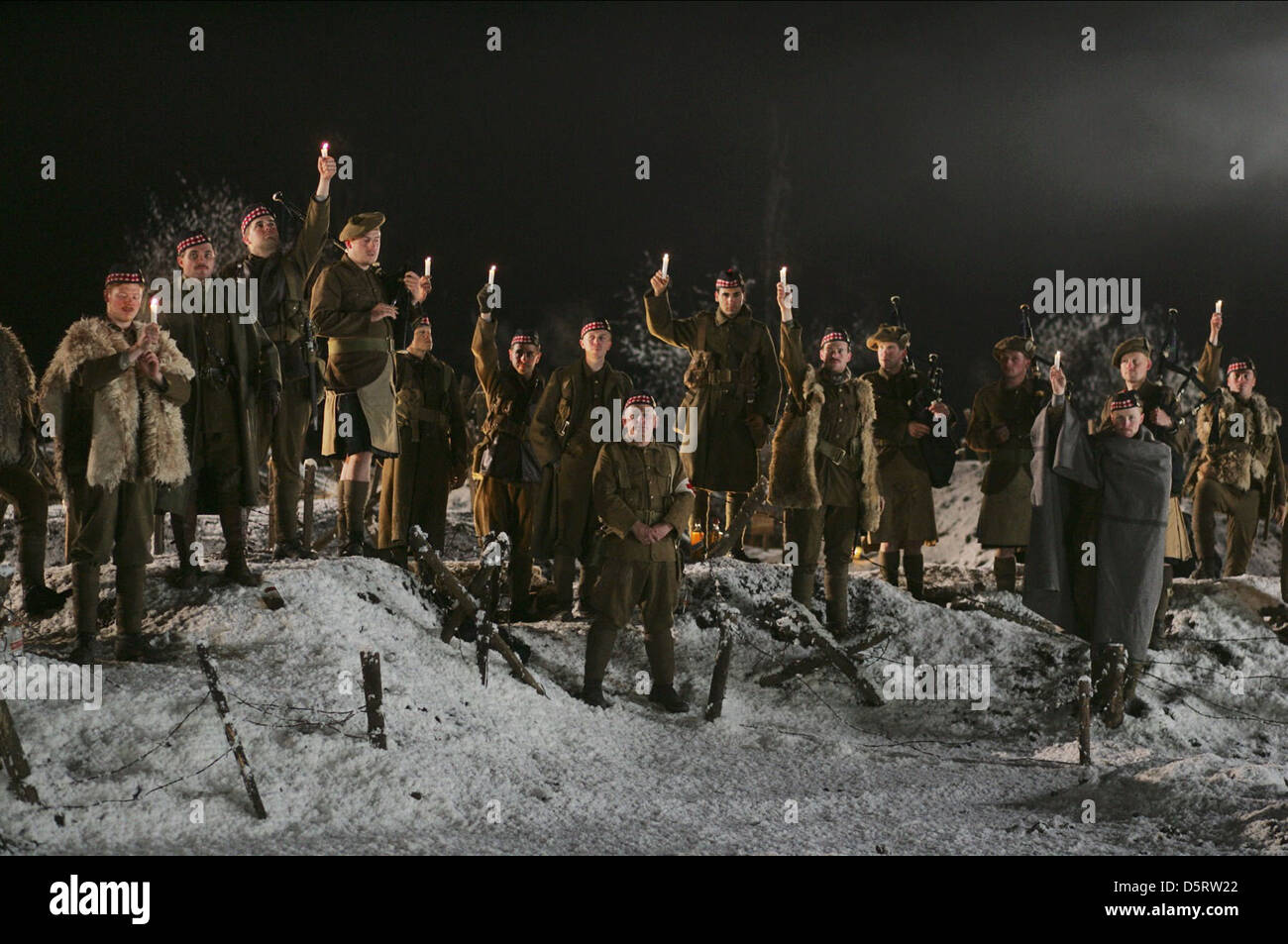 MOVIE SCENE MERRY CHRISTMAS; JOYEUX NOEL (2005 Stock Photo: 55228938 ...