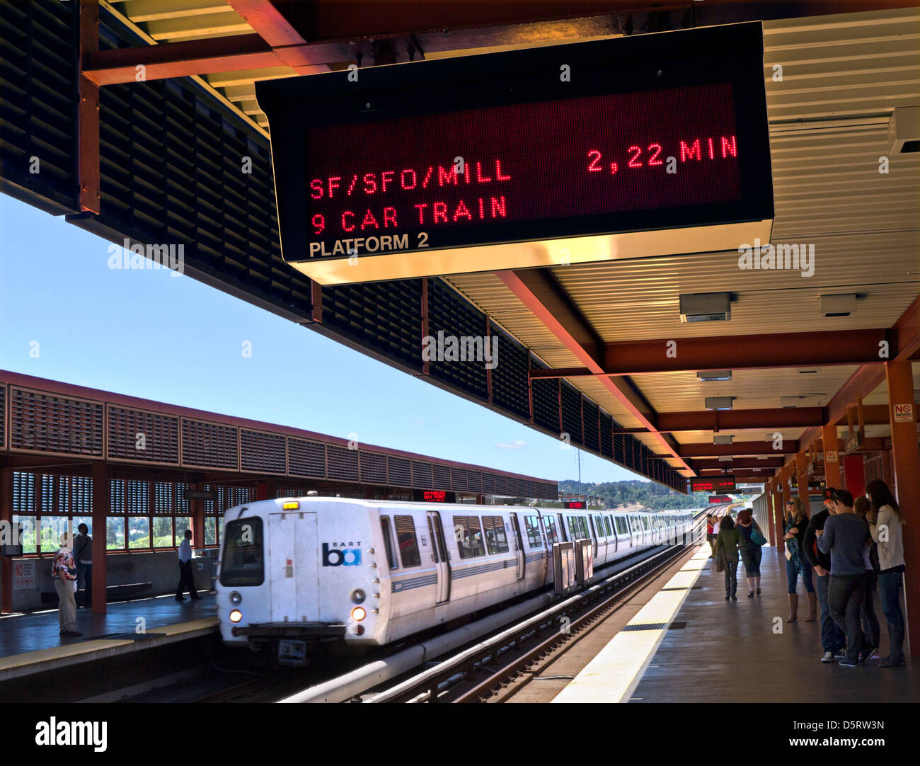 'BART' station at Walnut Creek. 'Bay Area Rapid Transit' train system San Francisco bay area California - Stock Image