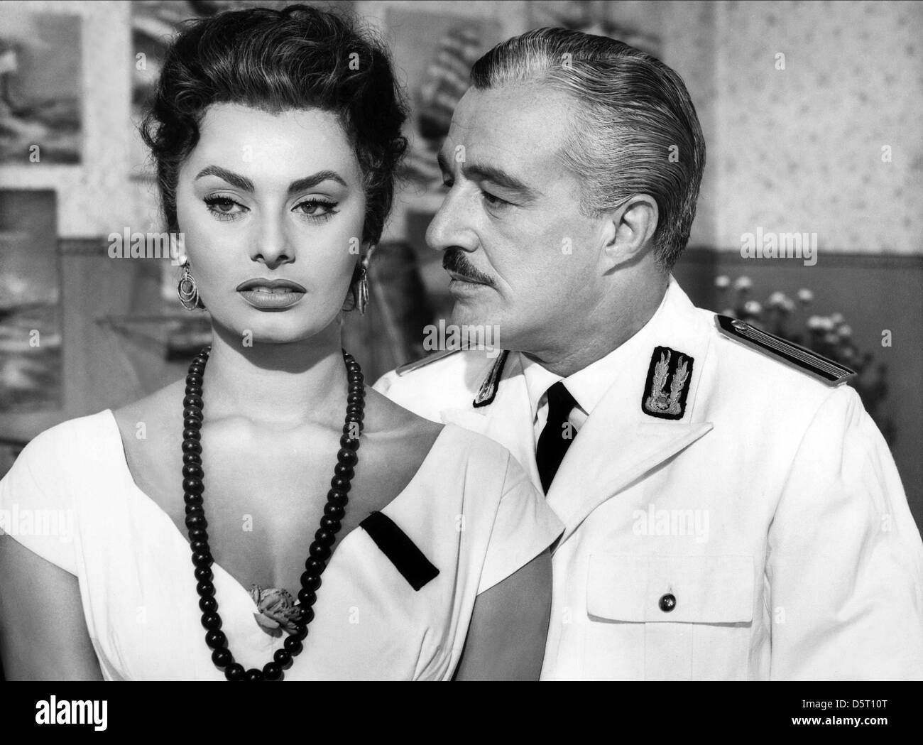SOPHIA LOREN, VITTORIO DE SICA, SCANDAL IN SORRENTO, 1955 - Stock Image