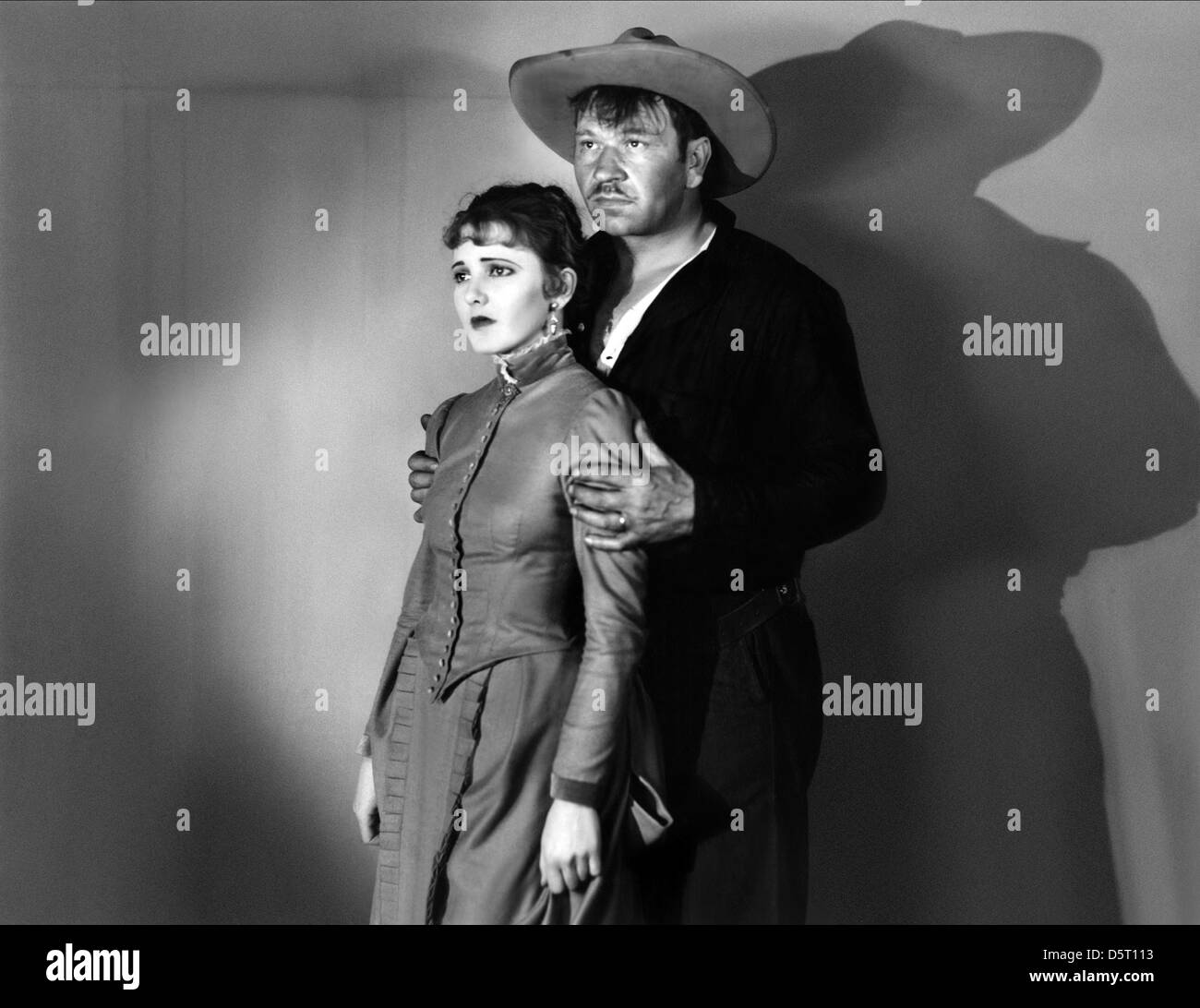JEAN ARTHUR & WALLACE BEERY STAIRS OF SAND (1929)Stock Photo