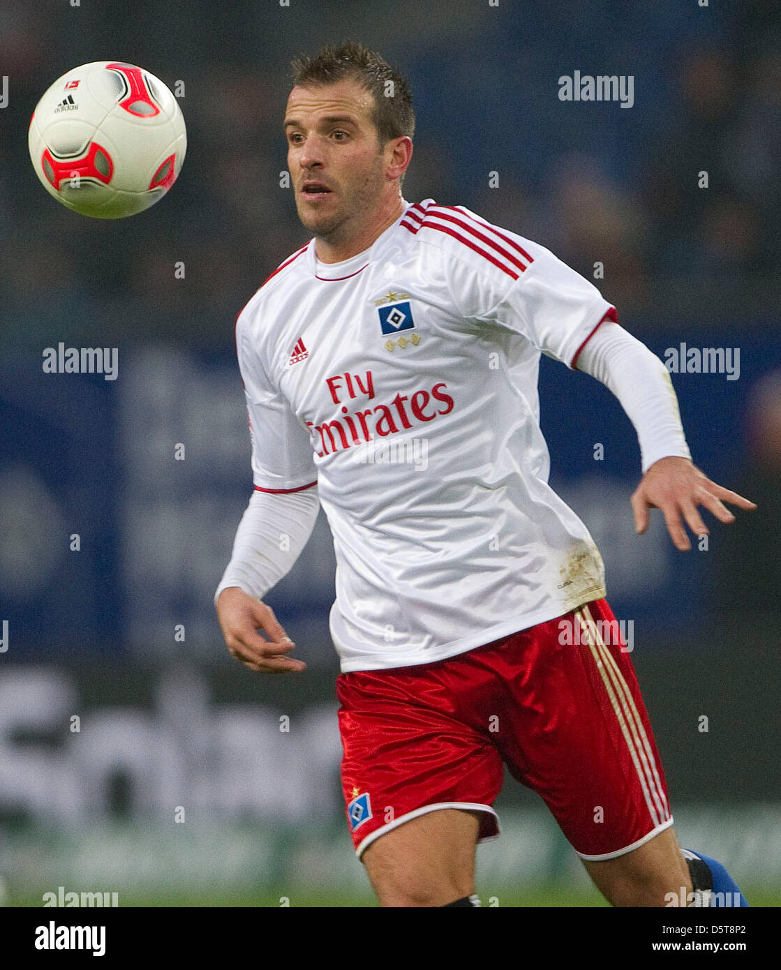 Hamburg's Rafael van der Vaart plays the ball during the Bundesliga soccer match between Hamburger SV and FSV Mainz Stock Photo