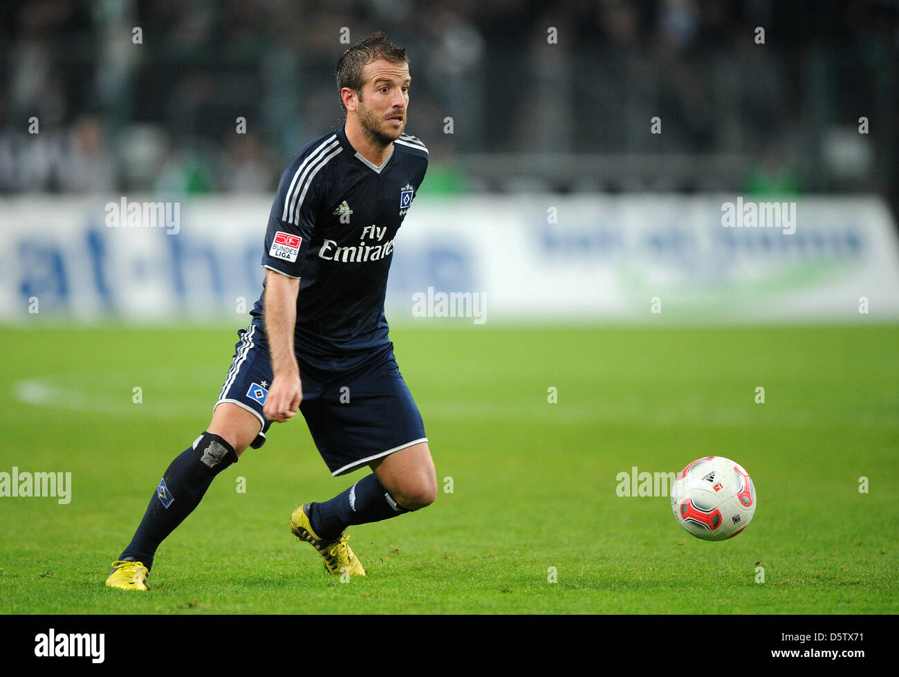 Hamburg's Rafael van der Vaart controls the ball during the Bundesliga match Borussia Moenchengladbach versus Hamburger Stock Photo