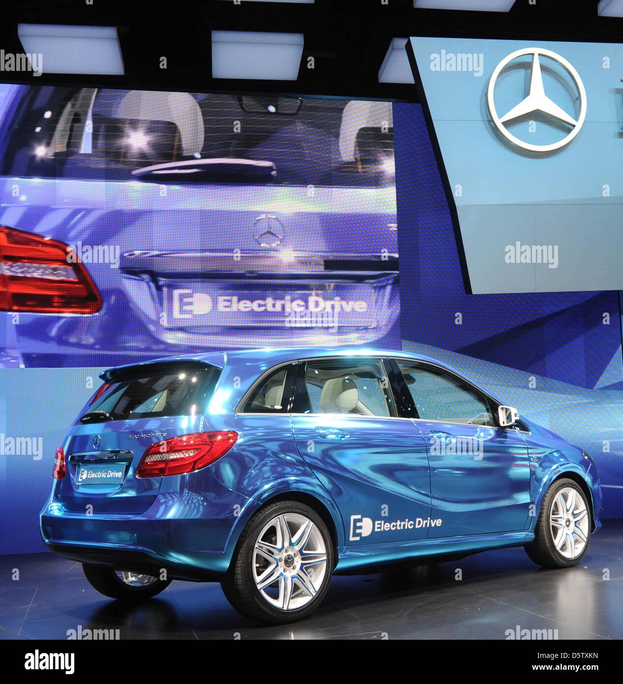 2013 Mercedes Benz C250 Luxury Usa Car Expo: Mercedes Benz Class Electric Car Stock Photos & Mercedes