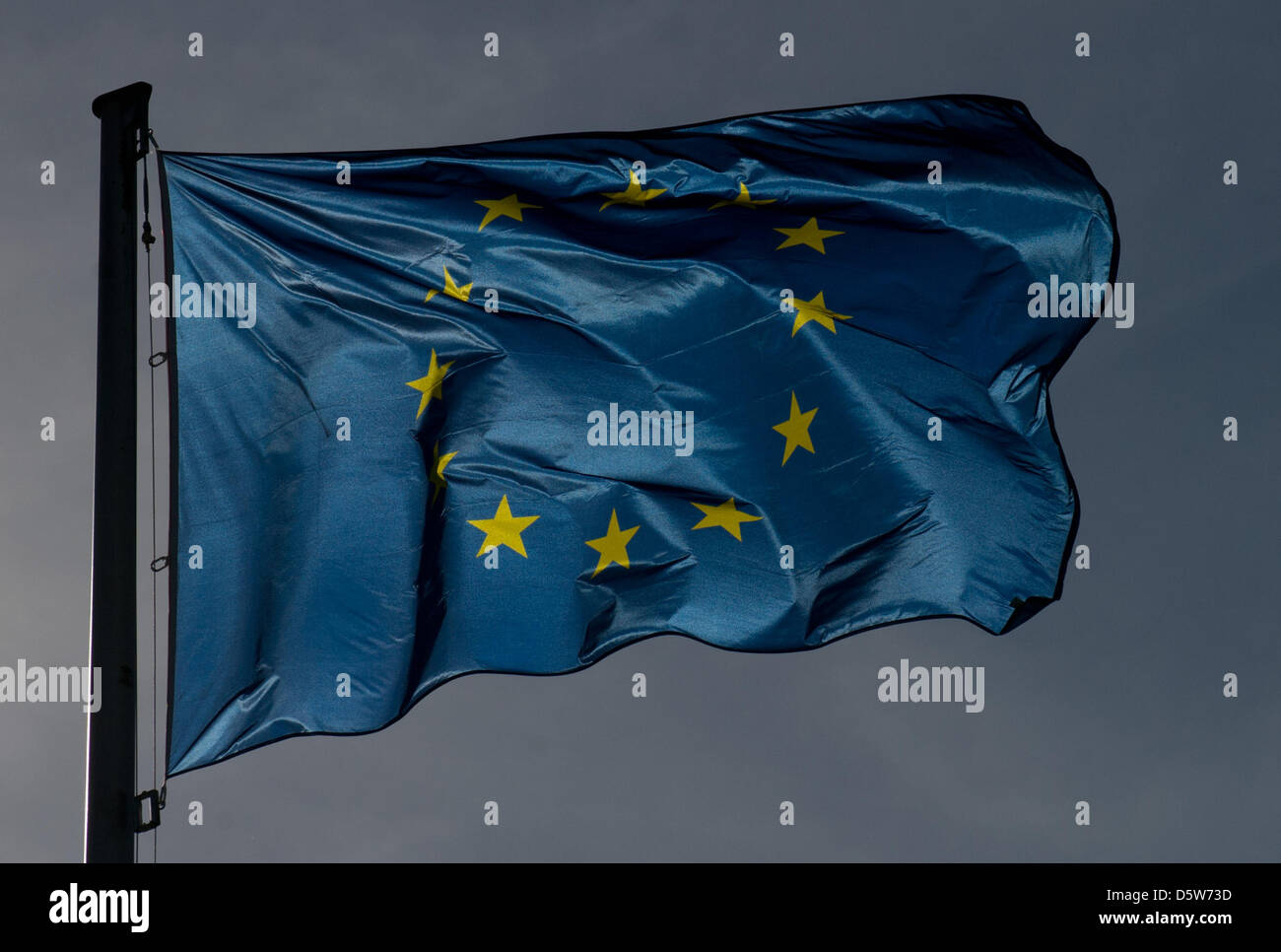 The European Union flag waves in the wind in Vienna, Austria, 05 October 2012. (Backlit photograph heavily - Stock Image