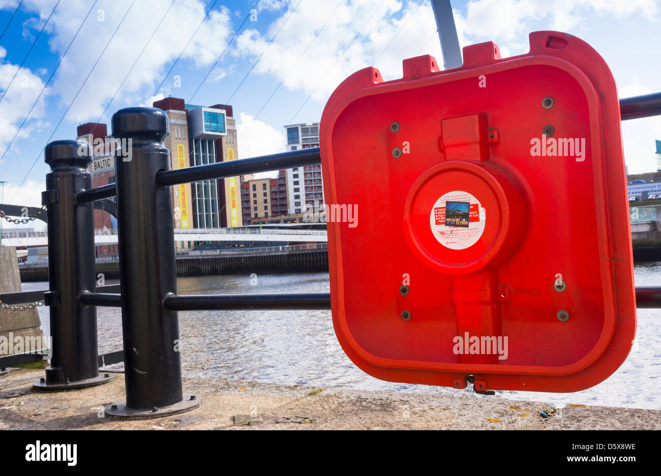 Missing life belts beside the river Tyne. - Stock Image