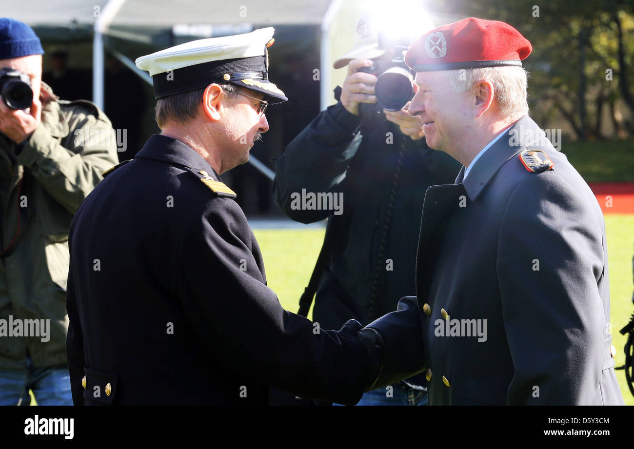 d95a06a731c Navy Chief Of Staff Stock Photos   Navy Chief Of Staff Stock Images ...