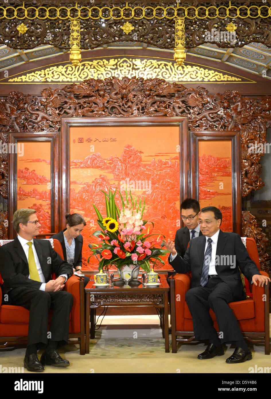 German Foreign Minister Guido Westerwelle (L) meets Vice-Premier of the People's Republic of China Li Keqiang - Stock Image