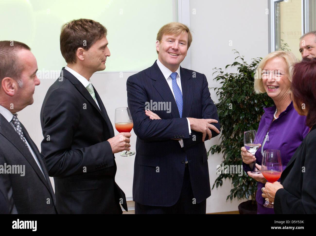Osnabrueck's mayor Boris Pistorius (L-R), President of the University Andreas Bertran, Durch Crown Prince Willem - Stock Image