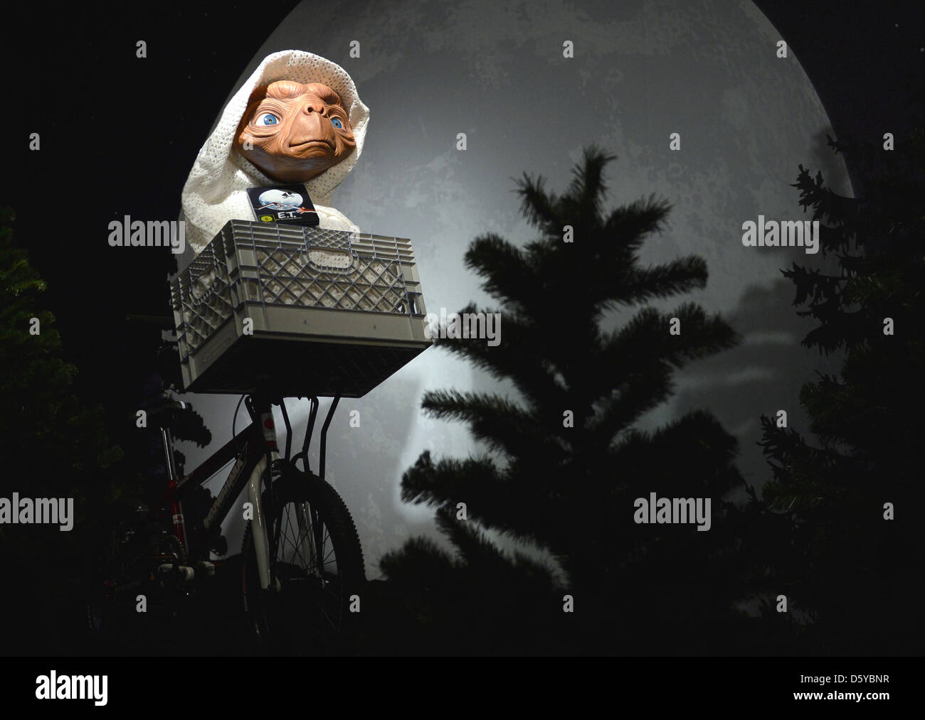 Die Wachsfigur aus dem Film 'E.T.' ist am 22.10.2012 im Wachsfigurenkabinett Madame Tussauds in Berlin zu - Stock Image