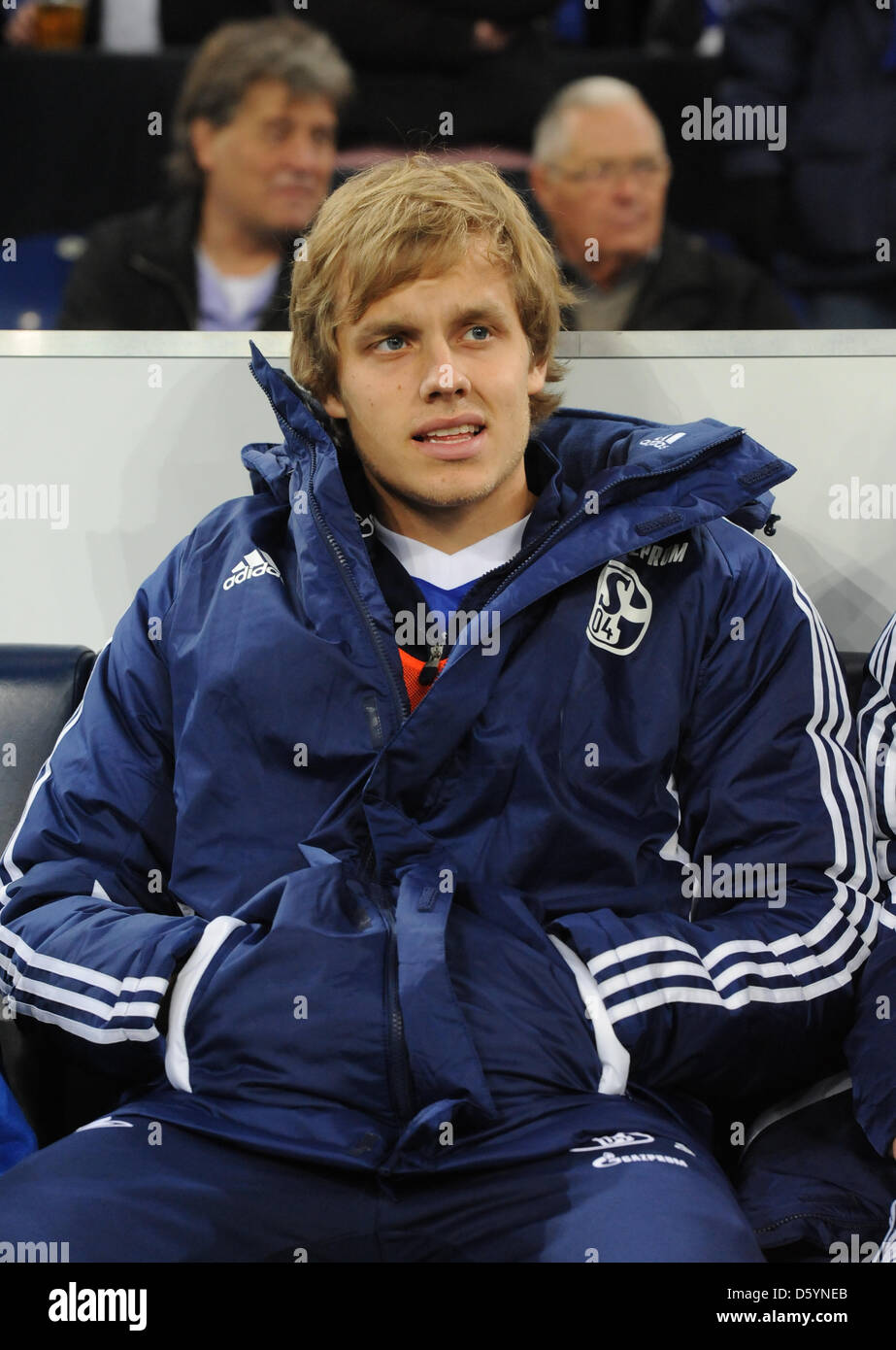 Schalke's Teemu Pukki sits on the substitutes' bensch during the DFB Cup match between FC Schalke 04 and - Stock Image