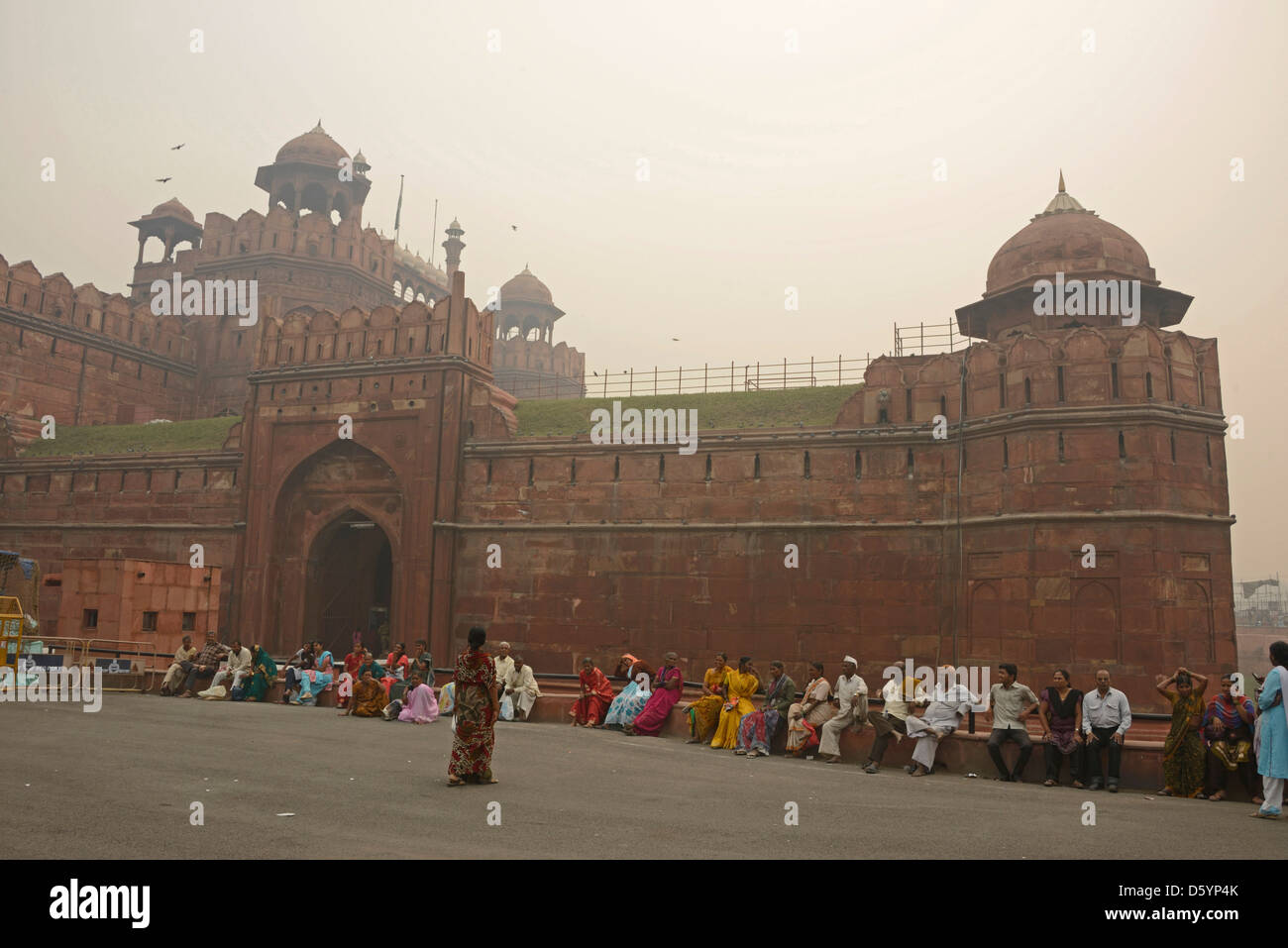 Heavy smog linger over the  Lahore Gate at the Red fort in Old Delhi,India. The smog was caused by farmers burning - Stock Image