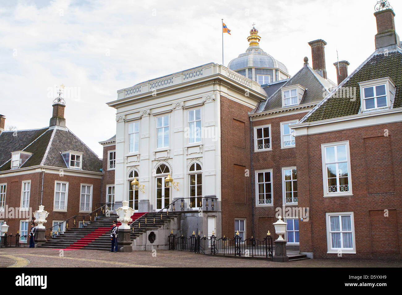 Palace huis ten bosch stock photos palace huis ten bosch for Huis ten bosch hague