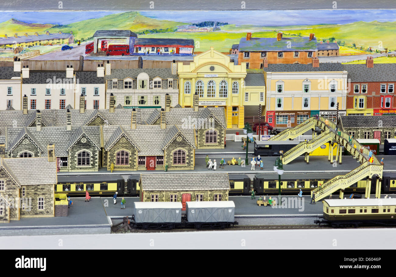 how to make a railway station model