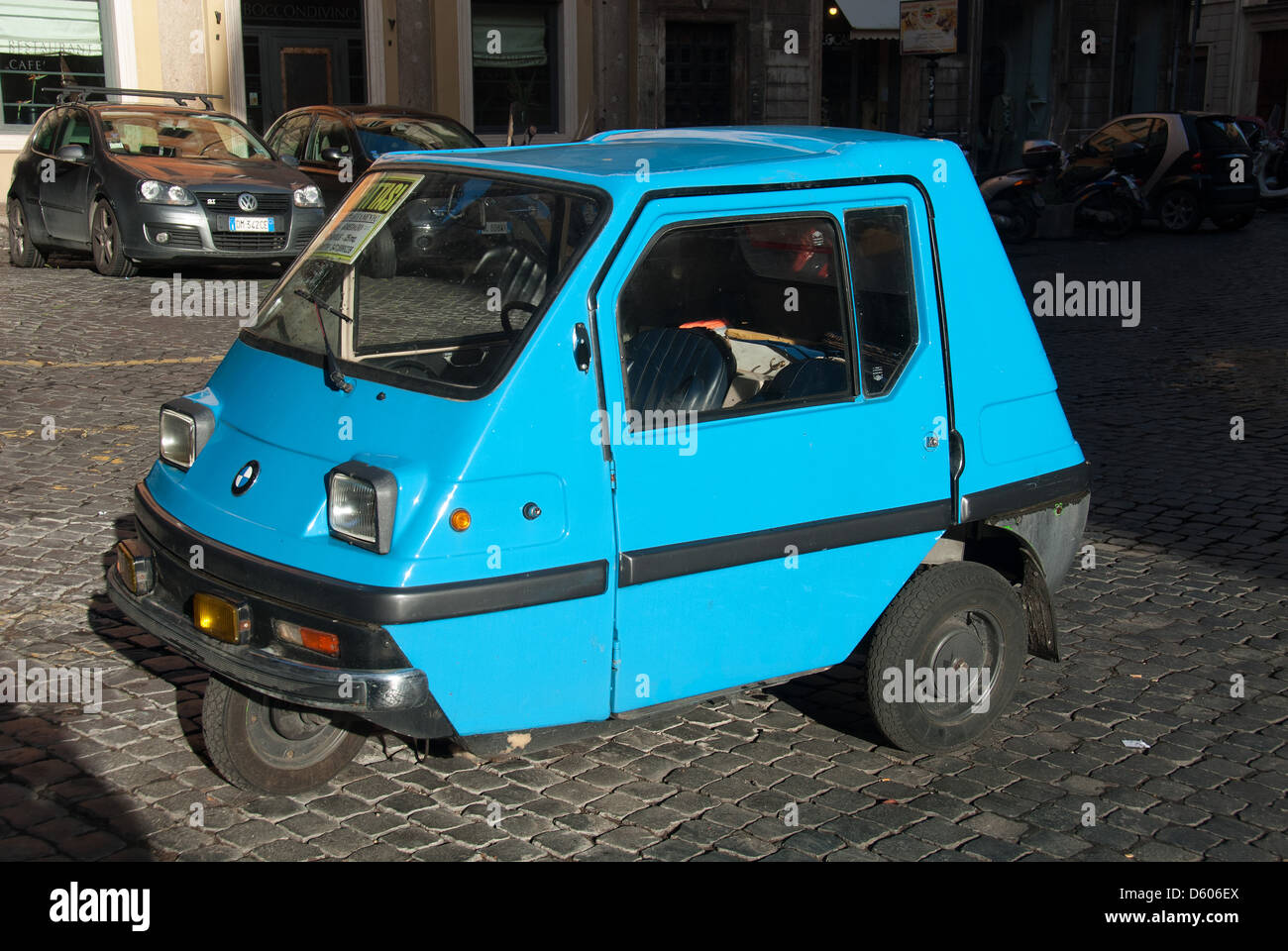 3 Wheel Car >> 3 Wheeled Car Stock Photos 3 Wheeled Car Stock Images Alamy